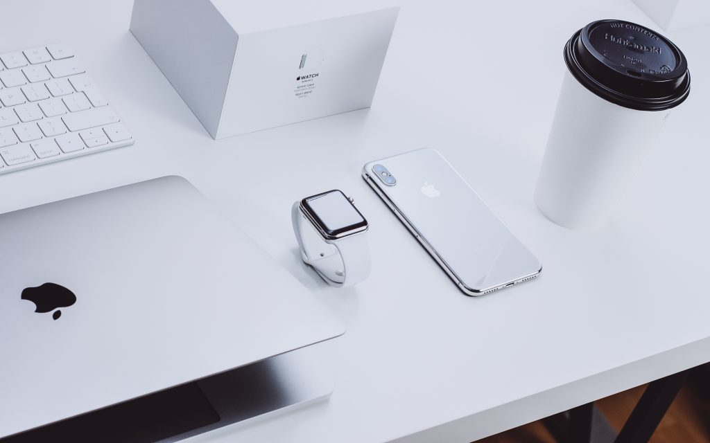 Apple Iphone Macbook Watch
